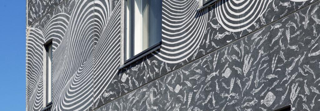 Graafinen betoni on uusi menetelmä kuvioida betonipintoja, kuten Parman valmistamassa Espoon Ulappatorissa.